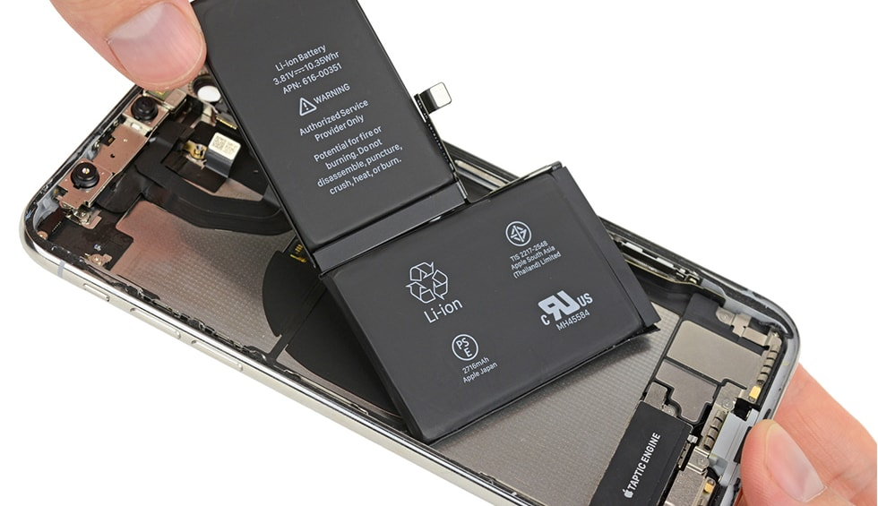 Service iPhone X - Designul cu doua celule reprezinta mai mult o dorinta de utilizare diferita a spatiului decat una care schimba capacitatea bateriei